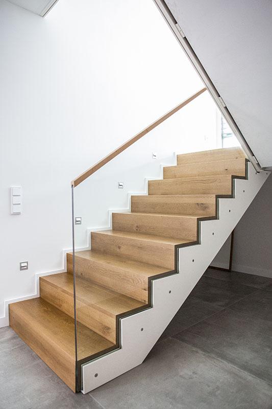 einbaugarderobe unter treppe die neuesten. Black Bedroom Furniture Sets. Home Design Ideas