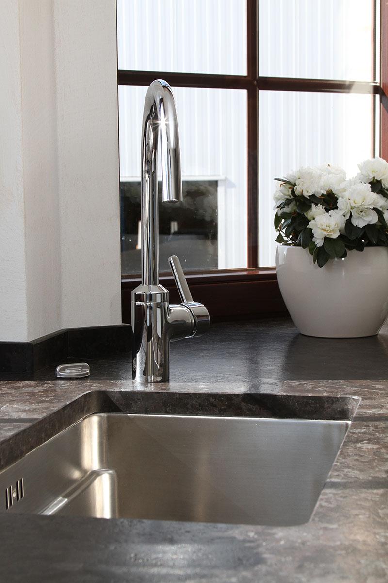 wohnzimmer grau weiss wandgestaltung. Black Bedroom Furniture Sets. Home Design Ideas