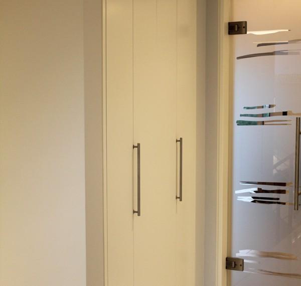 Trienens innenausbau gmbh individuelle raumkonzepte for Garderobe 600