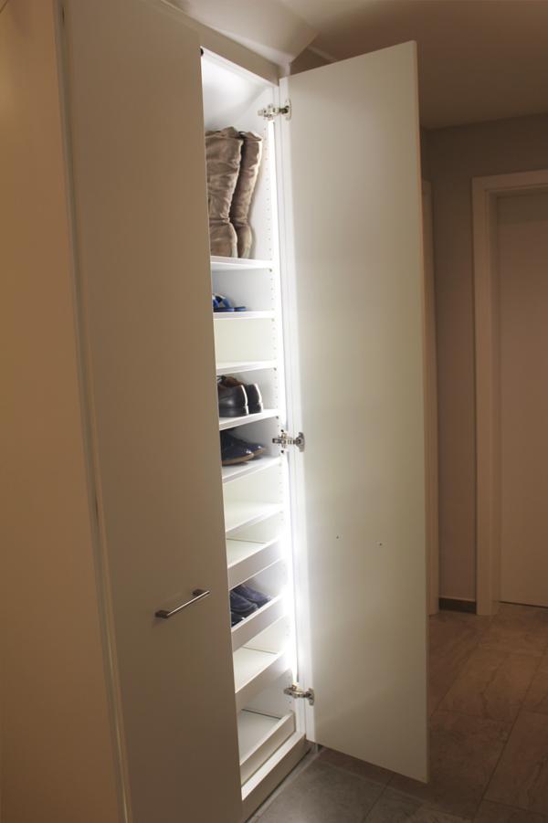 Einbaugarderobe unter treppe kreatives haus design for Schuhschrank unter treppe